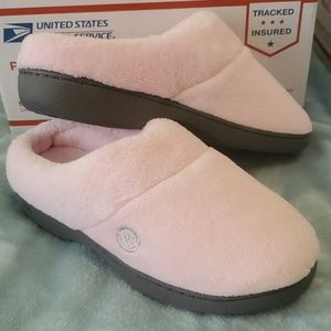 ISOTONER Women pink slip on slippers